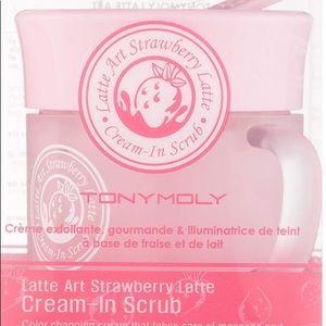 Tony Moly Strawberry 🍓 Latte Cream-in Scrub 🍓